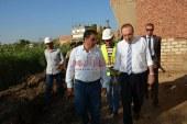 بالصور محافظ بني سويف يتفقد مشروع الصرف الصحي بتكنولوجيا حديث في قرية سيد عبد القادر