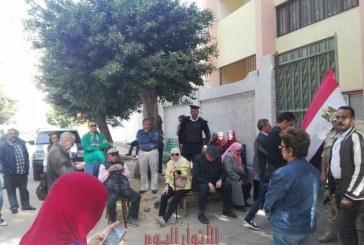 بالصور ..توافد المواطنين على اللجان الأنتخابية بحى العجوزة
