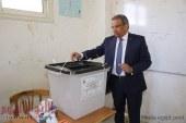 رئيس البريد يُدلى بصوته في استفتاء التعديلات الدستورية ويدعو 50 ألف موظف للمشاركة