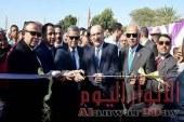 بالصور محافظ بنى سويف ورئيس الشركه القابضه يفتتحان محطه سنور بعد تطويرها