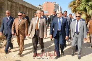 وزير التنمية المحلية ومحافظ سوهاج يتفقدون متحف اثار سوهاج والكورنيش الغربي