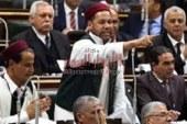 """تنفيذا لتوجيهات الرئيس: سليمان العميرى يدشن حملة """"لمواجهة الصقيع"""" بتوزيع البطاطين على المواطنين بمطروح"""